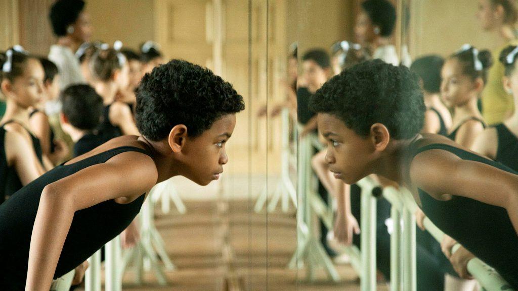 Langeweile im Ballettsaal: Edlison Manuel Olbera Núñez als das Kind Carlos Acosta © SRF/Filmcoopi